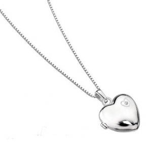 D for Diamond Small Girl's Silver Heart Locket PERSONALISED, ref. DDHL